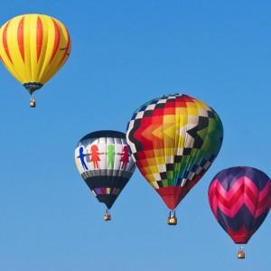 乘着热气球飞1