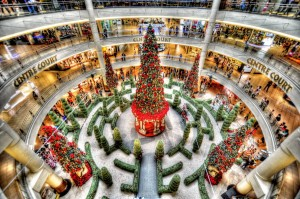 christmas_deco_at_mid_valley_megamall_by_derek7-d4led3k